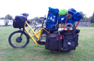 Camping equipment for 4 people on a Bike43 vélo cargo lastenrad